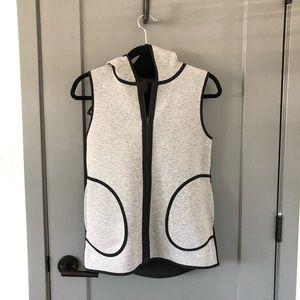 Lululemon reversible black/grey vest